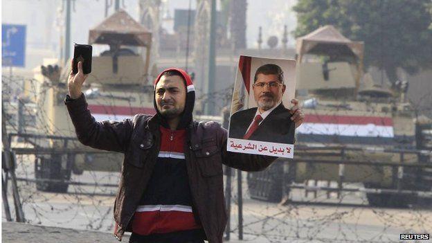 Muslim Brotherhood supporter in Cairo (Jan 2015)