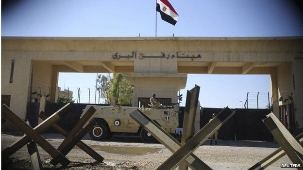 Egyptian armoured vehicle at Rafah crossing between Egypt and the Gaza Strip (Nov 2014)