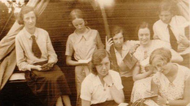 Gwersyllwyr cynnar iawn o'r Tymbl a Glan Conwy nôl yn 1932