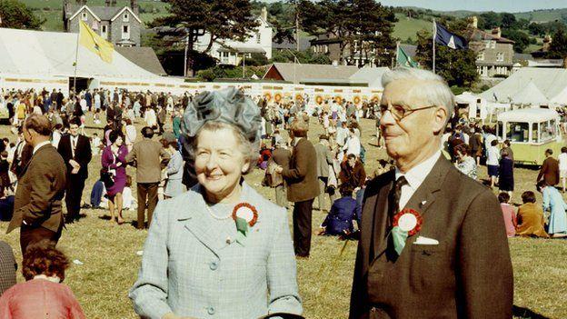 Sylfaenydd Urdd Gobaith Cymru, Syr Ifan ab Owen Edwards a'i wraig y Fonesig Ellen Edwards yn Eisteddfod yr Urdd