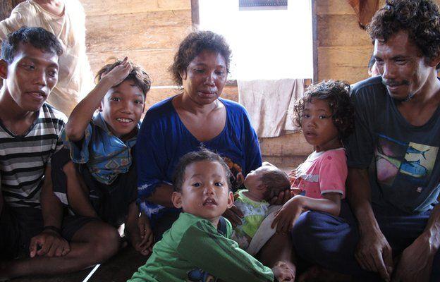 Lobu with his family