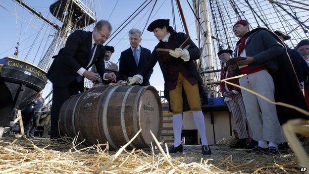 Cognac being loaded aboard the frigate Hermione in La Rochelle (March 2015)