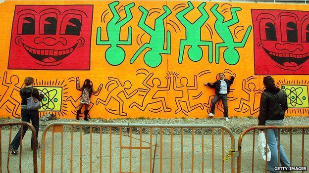 Keith Haring street mural recreated in New York, 2008