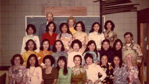 Tippi Hedren poses with a class of Vietnamese women