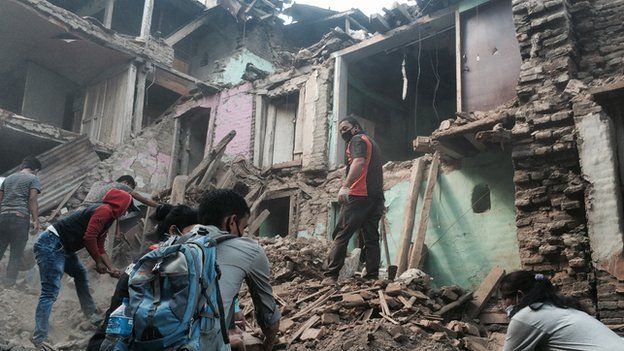 Clear-up operation in Sankhu, Nepal, on 2 May, 2015