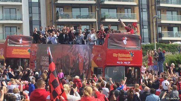 Ed Gould's picture of the Bournemouth bus