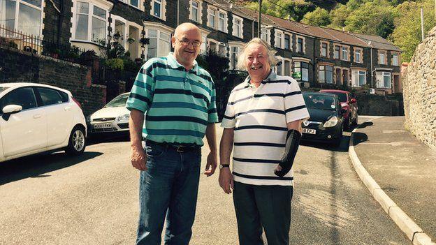 Rob Edwards a Edryd Jones