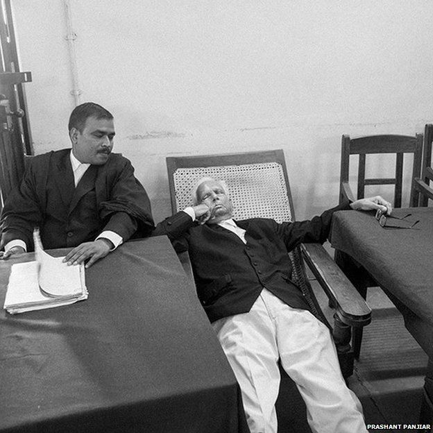 A lawyer napping at Patna High Court