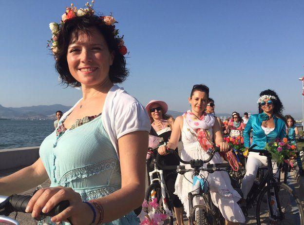 Turkey Election Trip Izmir Looks West Amid Growing Conservatism Bbc News