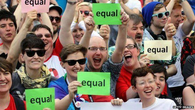 Crowd gathered for referendum result