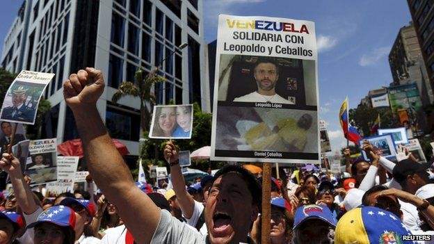 """Opposition supporters shout during a rally against Venezuela""""s President Nicolas Maduro""""s government and in support of the political leaders in prison, in Caracas May 30, 2015."""