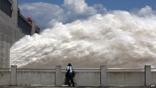 Floodwater released from the Three Gorges Dam (04 September 2014)