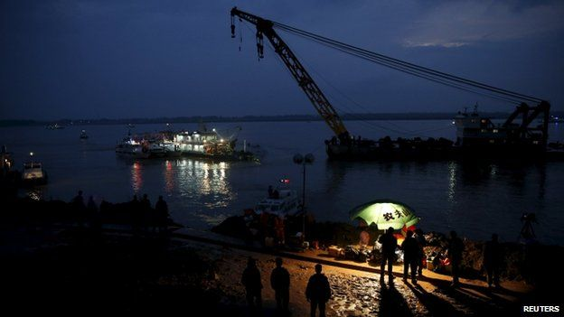 Rescue operation in Yangtze, 2 June