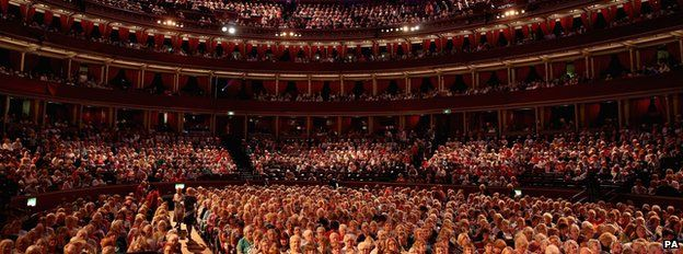 WI members attend the annual meeting at the Royal Albert Hall