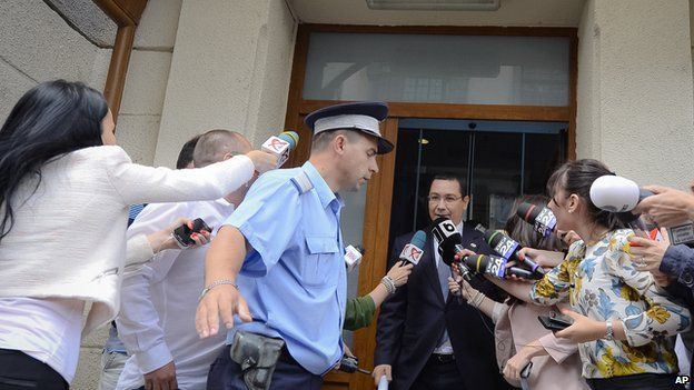 Romanian Prime Minister Victor Ponta leaves DNA offices, 5 Jun 15