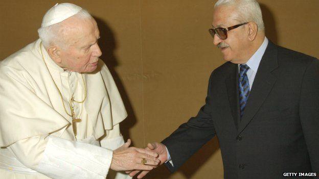 Pope John Paul II meets Iraqi deputy leader Tariq Aziz at his private library in Vatican City - 14 February 2003