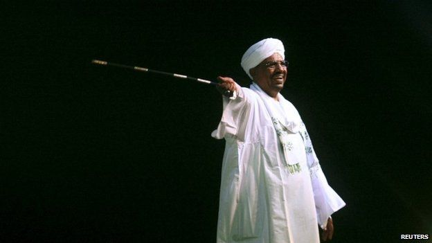 President Omar al-Bashir speaks to the crowd after a swearing-in ceremony in Khartoum (02 June 2015)