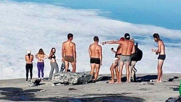 Group pics nudist Nudism Lifestyle