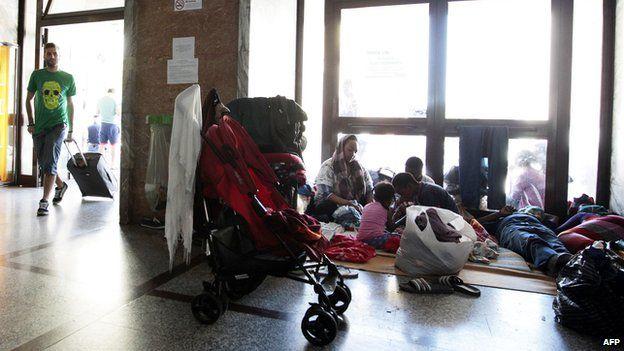 Migrants at Ventimiglia train station, 15 Jun 15