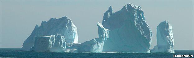 Grounded iceberg (M.Brandon)