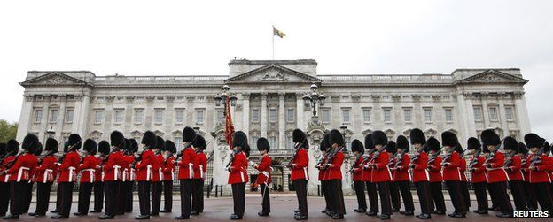 Guards in front of Buckingham Palace