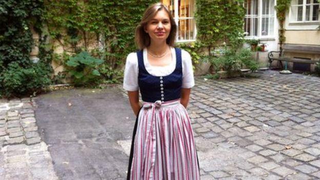 What do Austrian girls wear?