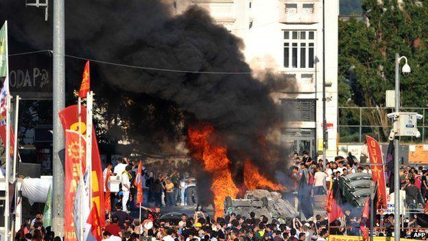 Clashes in Taksim square in Istanbul 3 June 2013