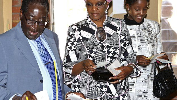 Robert Mugabe casts his vote in Highfields outside Harare