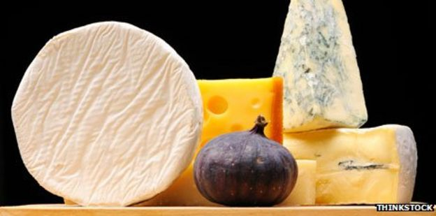 Coffee, wine, cheese: How much can pregnant women have? - BBC News