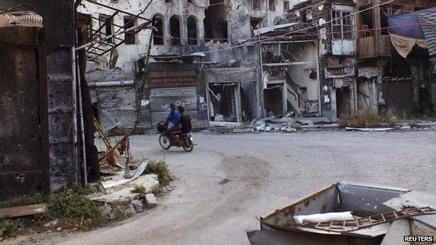 Men in besieged area of Homs (4 September)