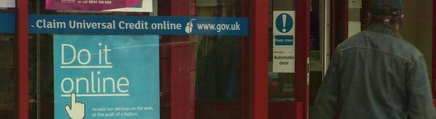 An ad for the online universal credit system