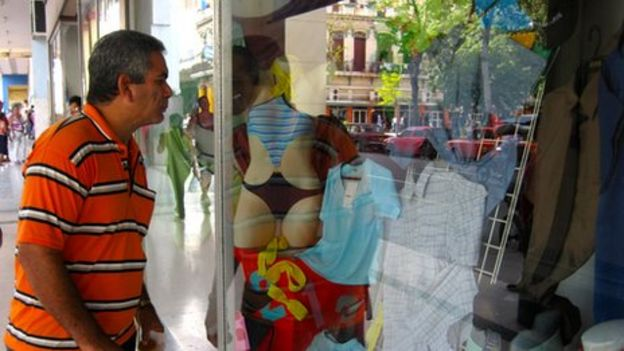 3c89b79b4b9 Tighter rules threaten Cuba s independent clothes sellers - BBC News