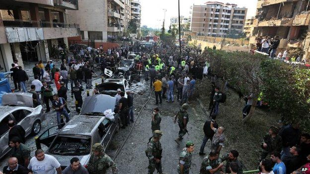 Crowds outside Iranian embassy, south Beirut (19 Nov)