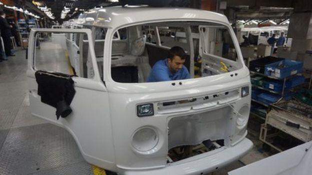 5640cb309c VW Kombi  The end of a motoring era - BBC News