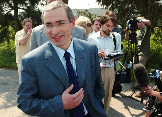 Mikhail Khodorkovsky at a Moscow airport, after returning from a visit to the US, 16 July 2003
