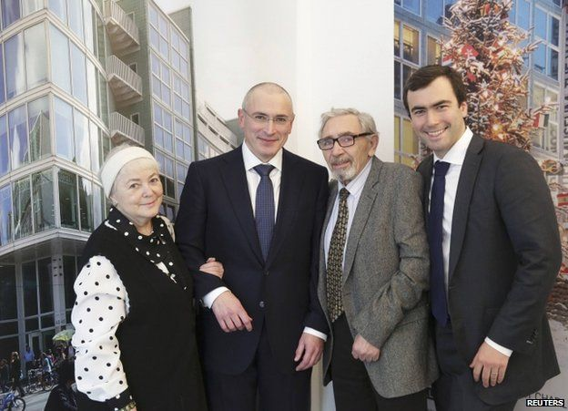 Mikhail Khodorkovsky (second from left) in Berlin with his parents Marina and Boris, and son Pavel, 22 December