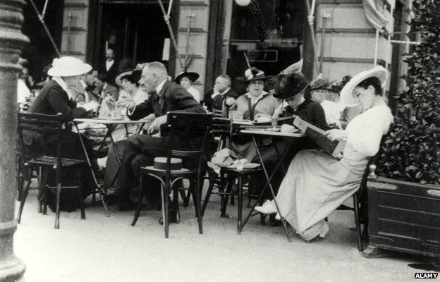 Vienna coffee house 1900