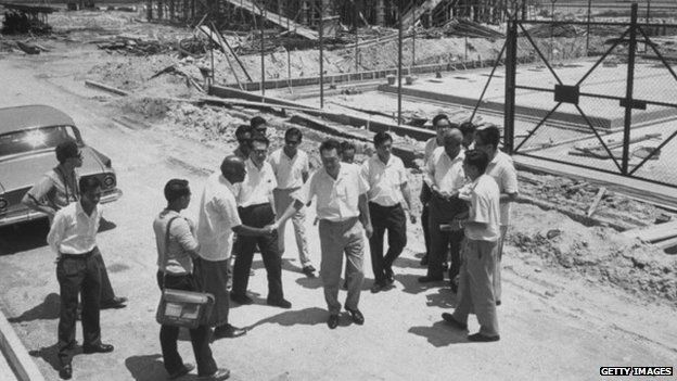 Lee Kuan Yew on a building site in 1965