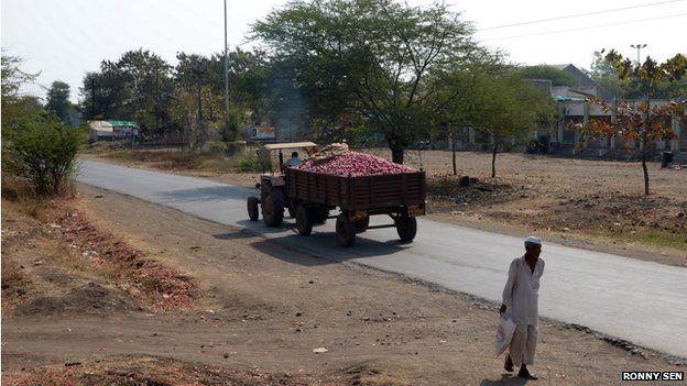 Onion truck in Lasalgaon