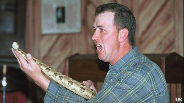 Snake Salvation pastor dies from snake bite - BBC News
