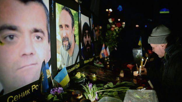 Vigil for dead protesters in Kiev (20 February 2014)