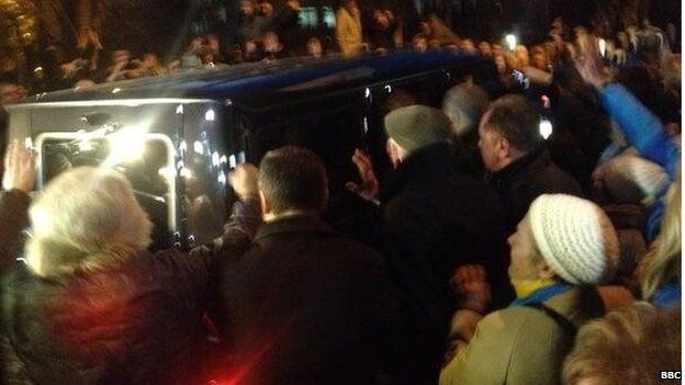 Ecstatic crowds greet Ms Tymoshenko as she is driven from prison
