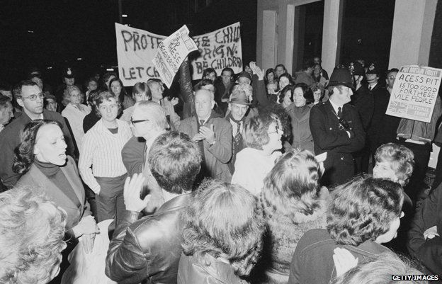 Protestors and police outside Conway Hall as the pro-paedophile activist group, the Paedophile Information Exchange (PIE) holds its first open meeting, London, 19th September 1977.
