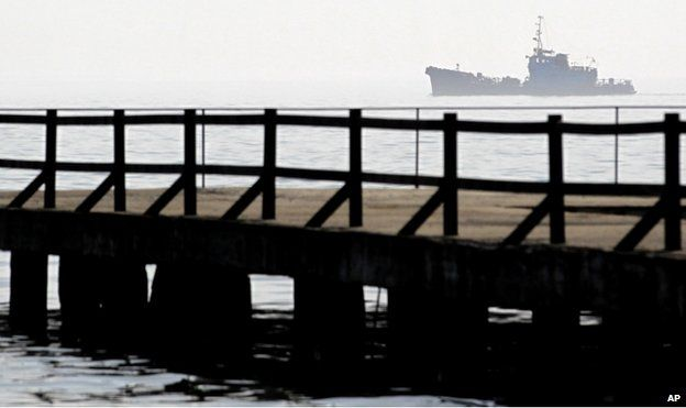 Pro-Russian troops have taken control of Kerch on the easternmost tip of the Crimean peninsula