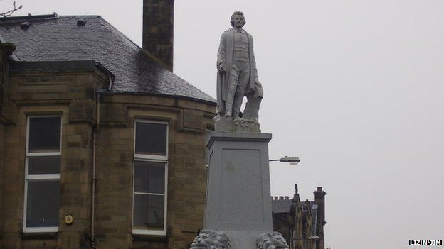 A statue in Selkirk