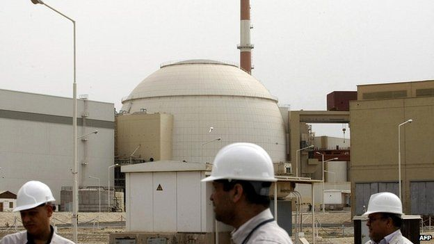 Iranian technicians at the Bushehr nuclear power plant south of Tehran - 25 February 2009