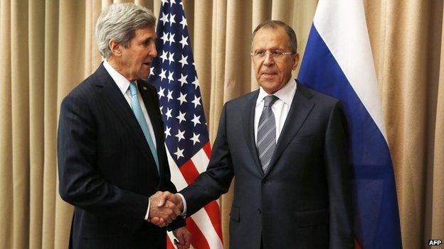 US Secretary of State John Kerry (L) meets Russian Foreign minister Sergei Lavrov in Geneva, 17 Apr 14