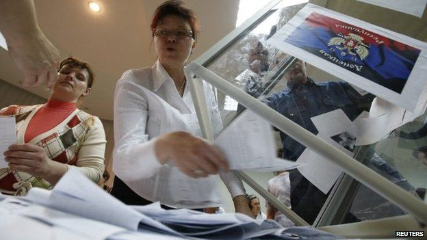 Organisers count votes in Donetsk. Photo: 11 May 2014