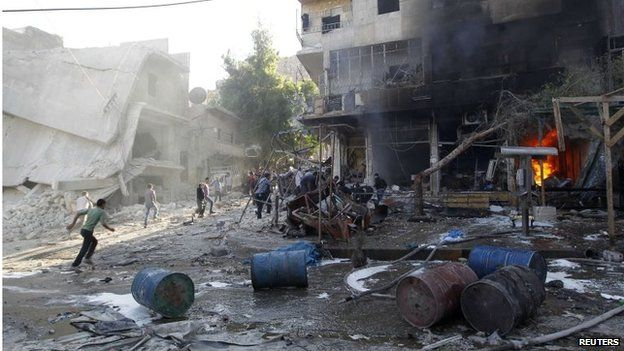 Scene of reported barrel-bomb attack in Aleppo (01/05/14)