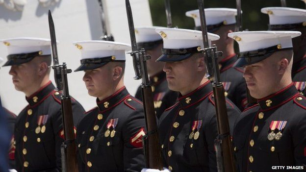 US Marines at a wreath laying ceremony with President Barack Obama at the Tomb of the Unknown Soldier at Arlington National Cemetery (26 May 2014)
